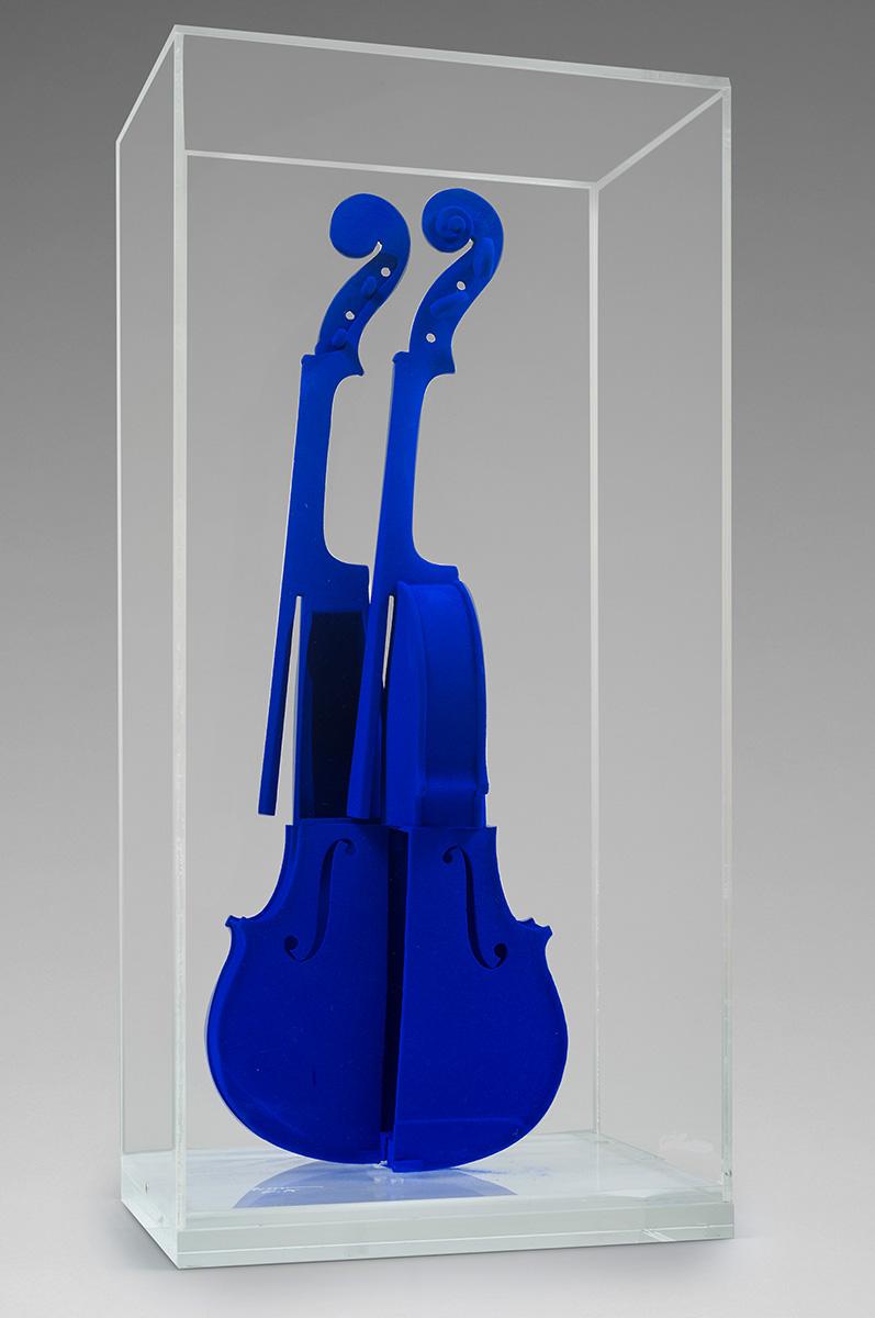 Arman - Hommage à Yves Klein violon bleu